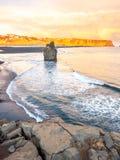 Arnardrangur-Felsen nahe Vik in Island Lizenzfreie Stockfotografie
