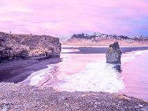 Arnardrangur-Felsen nahe Vik in Island Lizenzfreies Stockfoto