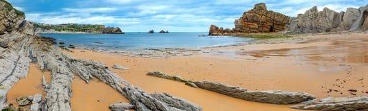 Arnia-Strand-Küstenlinienpanorama Stockfotos