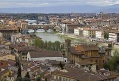 arno bridges den florence floden Royaltyfri Foto