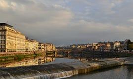 Arno-Fluss in Florenz Stockfotos