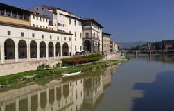 Arno-Fluss in Florenz Stockfotos