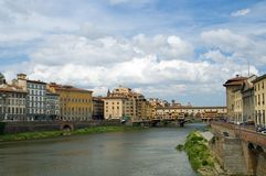 Free Arno River And Ponte Vecchio Stock Photography - 4003052