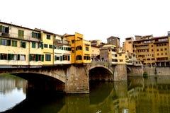 Arno River och Ponten Vecchio i Florence 003 Royaltyfri Foto