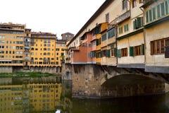 Arno River och Ponten Vecchio i Florence 004 Royaltyfri Bild