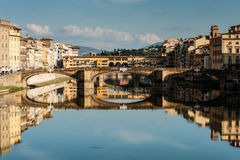 Arno river and Ponte vecchio Stock Photography