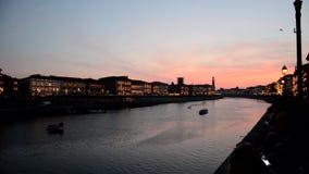 Arno rzeka wieczór Luminara festiwal zbiory