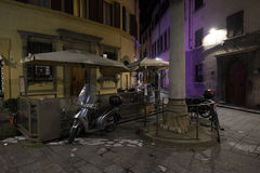 arno tła Florence rozjarzonej lampowej noc rzeczny uliczny rocznik Obrazy Stock