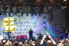 Arnold Schwarzenegger en la cumbre de mundo austríaca, Viena foto de archivo