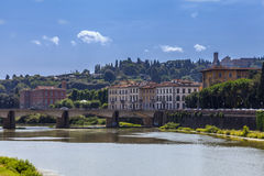 Arnorivier en Florentijnse paleizen Florence, Italië royalty-vrije stock afbeeldingen