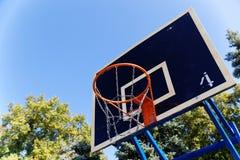 Aro de baloncesto de la calle Imagen de archivo libre de regalías