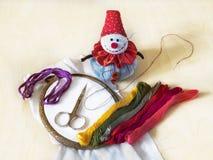 Aro de bordado, moulinet e boneco de neve - almofada de alfinetes Imagens de Stock