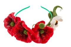 Aro en la cabeza de amapolas y de margaritas rojas Imagen de archivo libre de regalías