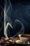 Arom av nytt grillat kaffe royaltyfria bilder