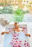 Aroma Bali, Frauen-Körperpflege Blumen-Bad Schönheit skincare Stockbilder