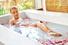 Aroma Bali, Frauen-Körperpflege Blumen-Bad Schönheit skincare Stockfoto