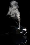 Aromadiffusor auf Schwarzem Stockfotos