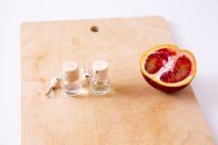 Aromaolie met fruit Royalty-vrije Stock Foto's