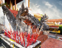 Aromastöcke bei Phra dieser Luang-Tempel Vientiane, Laos Stockfotografie