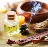 Aromasteuerknüppel im Badekurortsalon Stockbilder