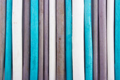 aromata głębii pola kadzidła macro nad płytkimi kijami biały wtyka drewnianego Zdjęcie Stock