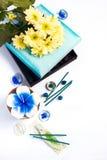 Aromathérapie réglée avec la bougie et l'encens de fleur Photos libres de droits