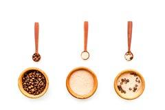 Aromatheraphy στη SPA Chocolate-brown spa άλας στο άσπρο διάστημα αντιγράφων άποψης υποβάθρου τοπ Στοκ Εικόνες