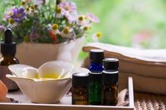Aromatherapieöle für Schönheitsbehandlung lizenzfreie stockbilder
