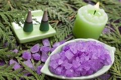 aromatherapy浴蜡烛盐 库存图片