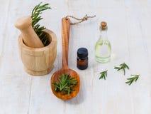 aromatherapy δεντρολίβανο ουσια&sig Στοκ Εικόνα