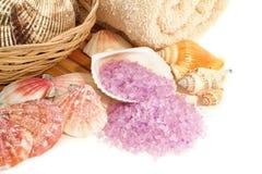 aromatherapy θαλασσινά κοχύλια θάλασσας αλάτων λουτρών φυσικά Στοκ φωτογραφίες με δικαίωμα ελεύθερης χρήσης