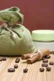 Aromatherapy με τον καφέ και την κανέλα Στοκ Φωτογραφία