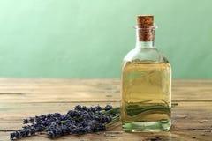 Aromatherapy πετρέλαιο Lavander Στοκ Εικόνες