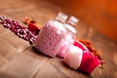 aromatherapy ρόδινο άλας λουτρών Στοκ φωτογραφία με δικαίωμα ελεύθερης χρήσης