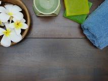 aromatherapy, σαπούνι SPA, και πετσέτα Στοκ εικόνες με δικαίωμα ελεύθερης χρήσης