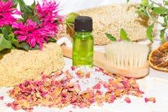 Aromatherapy στο χρόνο λουτρών Στοκ φωτογραφία με δικαίωμα ελεύθερης χρήσης