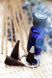 aromatherapy масло ладана конусов Стоковые Фотографии RF
