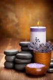 aromatherapy камни спы лаванды стоковые изображения