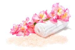 aromatherapy bath flowers salts spa Στοκ φωτογραφία με δικαίωμα ελεύθερης χρήσης