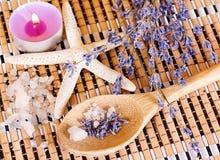 Aromatherapy - lavender πετρέλαιο Στοκ φωτογραφία με δικαίωμα ελεύθερης χρήσης