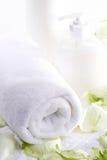 Aromatherapy met rozen royalty-vrije stock afbeelding