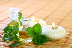 Aromatherapy with mint oil Royalty Free Stock Photos