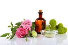 Aromatherapy och massageolja Royaltyfri Bild