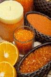 Aromatherapy - Oranje badzout Stock Afbeeldingen