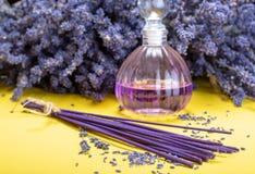 Aromatherapy sano natural y fragancia casera, lavanda púrpura fotografía de archivo