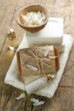 Aromatic spa θέστε με το σαπούνι και τα χορτάρια Στοκ Φωτογραφίες