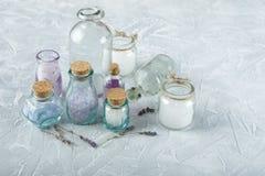 Aromatisch oliën en zout royalty-vrije stock foto's