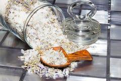 Aromatisch welriekend mengsel van gedroogde bloemen en kruiden royalty-vrije stock afbeeldingen