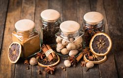 Aromatische kruiden royalty-vrije stock afbeeldingen