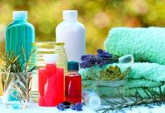 Aromatische oliën en etherische olie Stock Afbeeldingen
